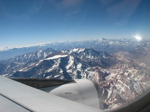 Landeanflug auf Santiago de Chile, vorbei an den mächtigen Anden (Foto: Stefan Vehoff)