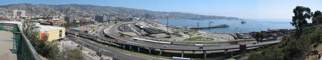 Panorama von Valparaíso - der ganze Landstrich ist verbaut (Foto: Stefan Vehoff)